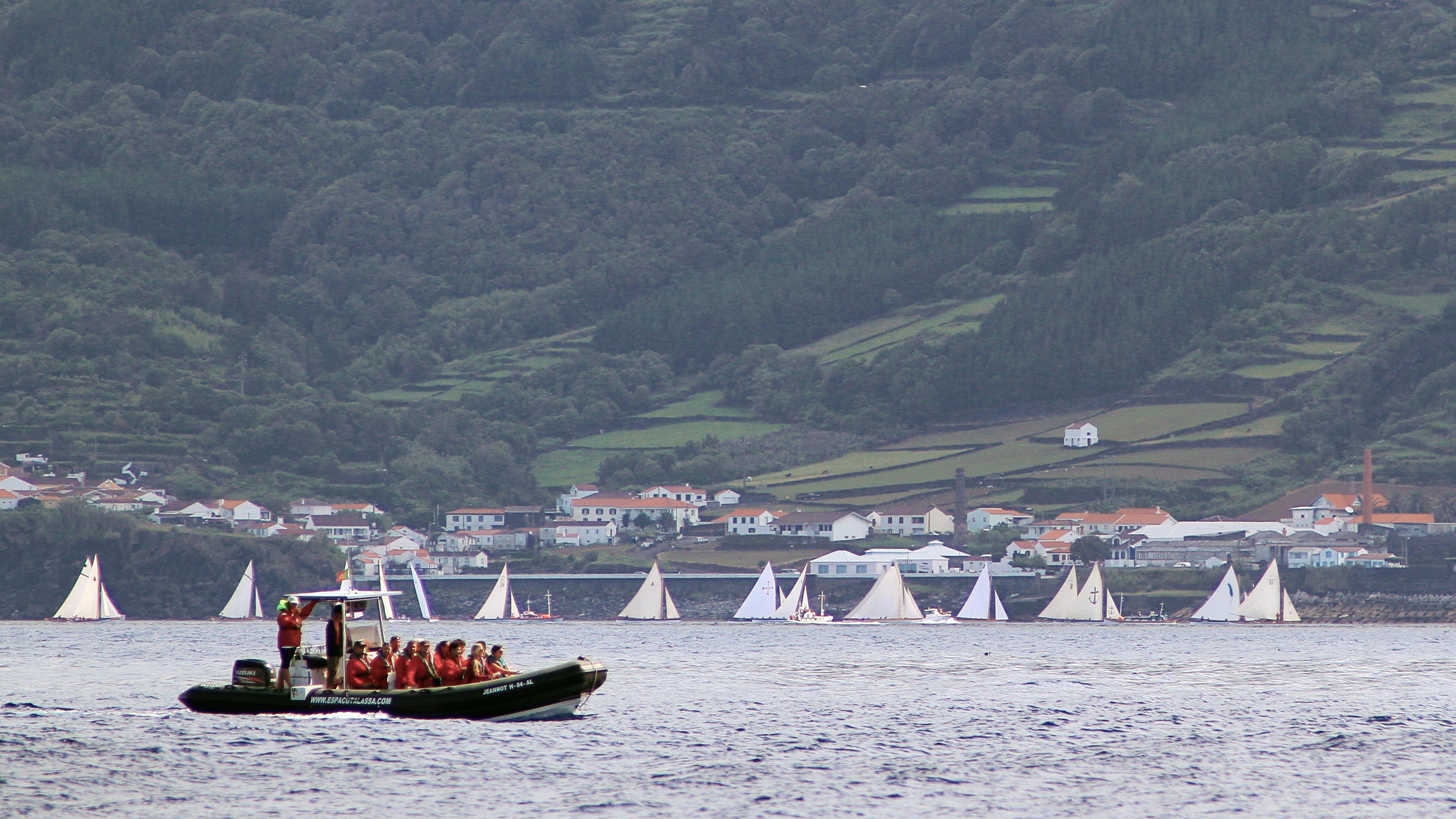 Whalng Canoe