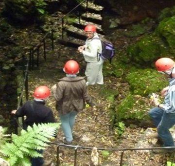 Tunnel de lave et balade basaltique